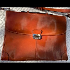 Beautiful brown business Italian leather bag.